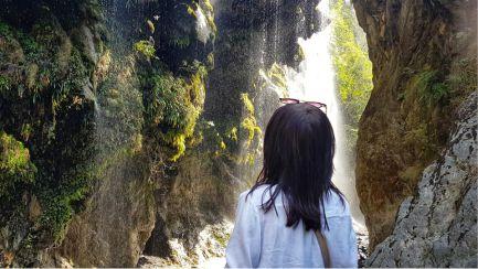 Tour to Umbrella Waterfall